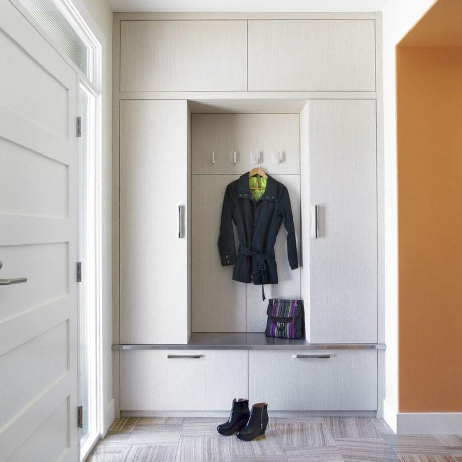 Шкаф в прихожую — какой выбрать? Обзор лучших моделей и новинок дизайна мебели для коридора