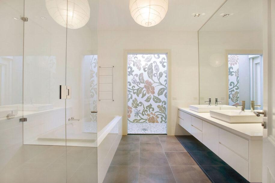 Белая ванная комната: примеры красивого и современного дизайна (95 фото новинок)
