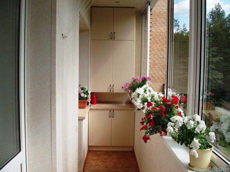 Шкаф на балкон: обзор удачных идей по размещению и сочетания. Примеры самодельных вариантов + 120 фото